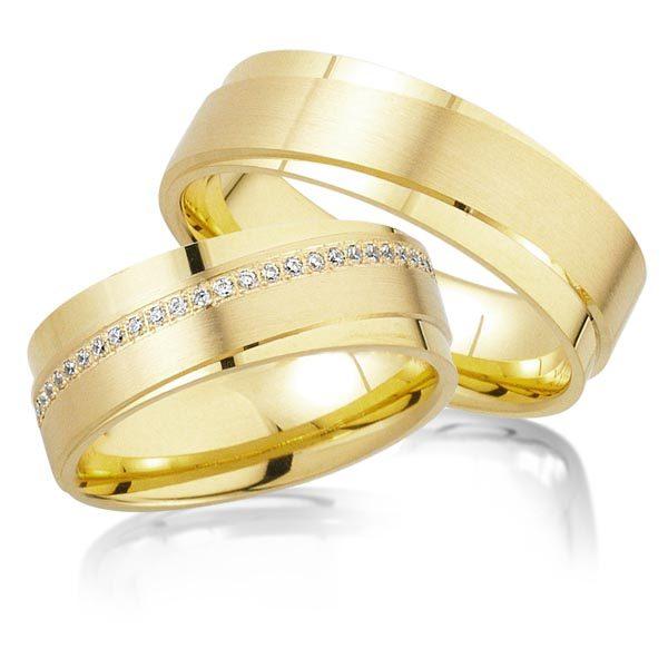 Geelgouden trouwringen met 0.29 crt. – AD23