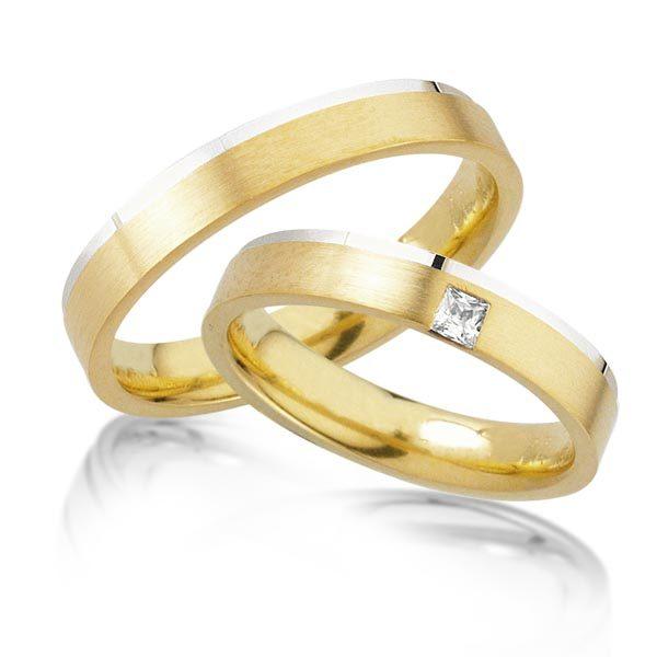 Wit/geelgouden trouwringen met 0.10 crt. – AD26