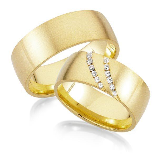Geelgouden trouwringen met 0.23 crt. – AD31